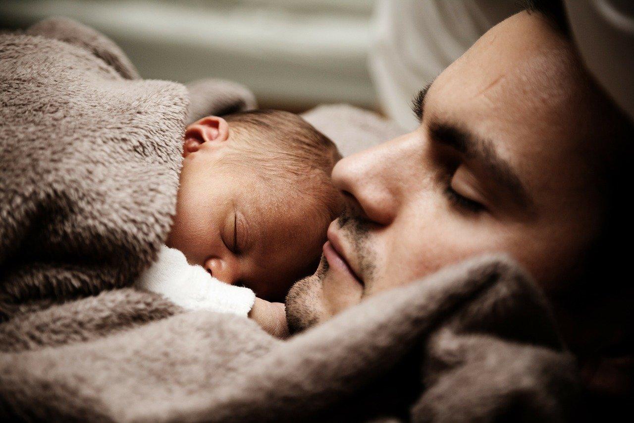 Родитель является одиноким отцом