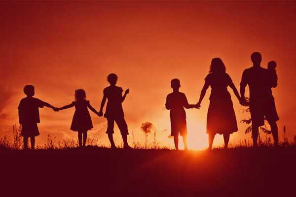 Усыновленные дети или сводные родственники