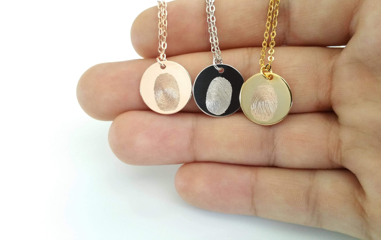 ожерелье с отпечатком пальца