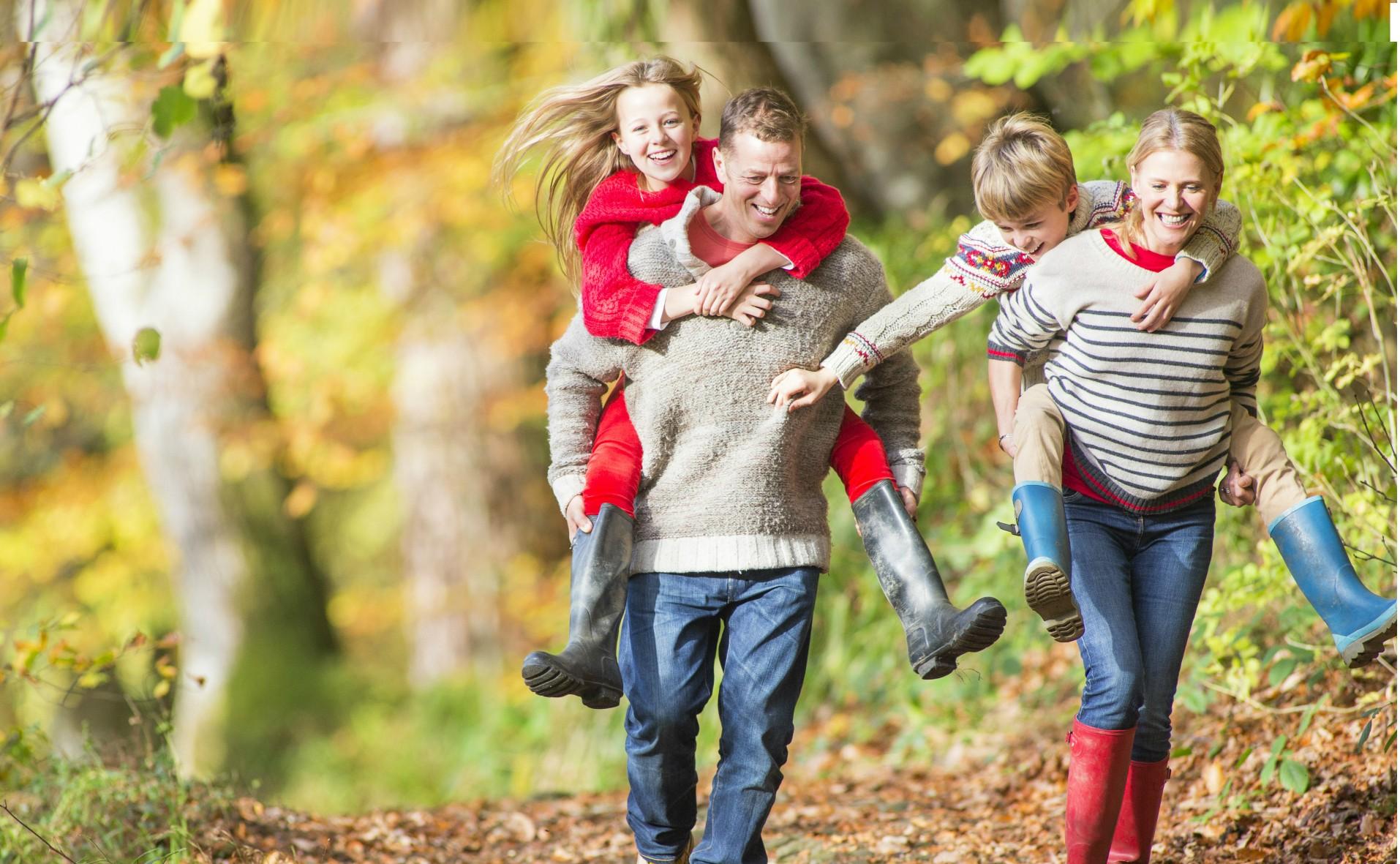 семейная прогулка на природе