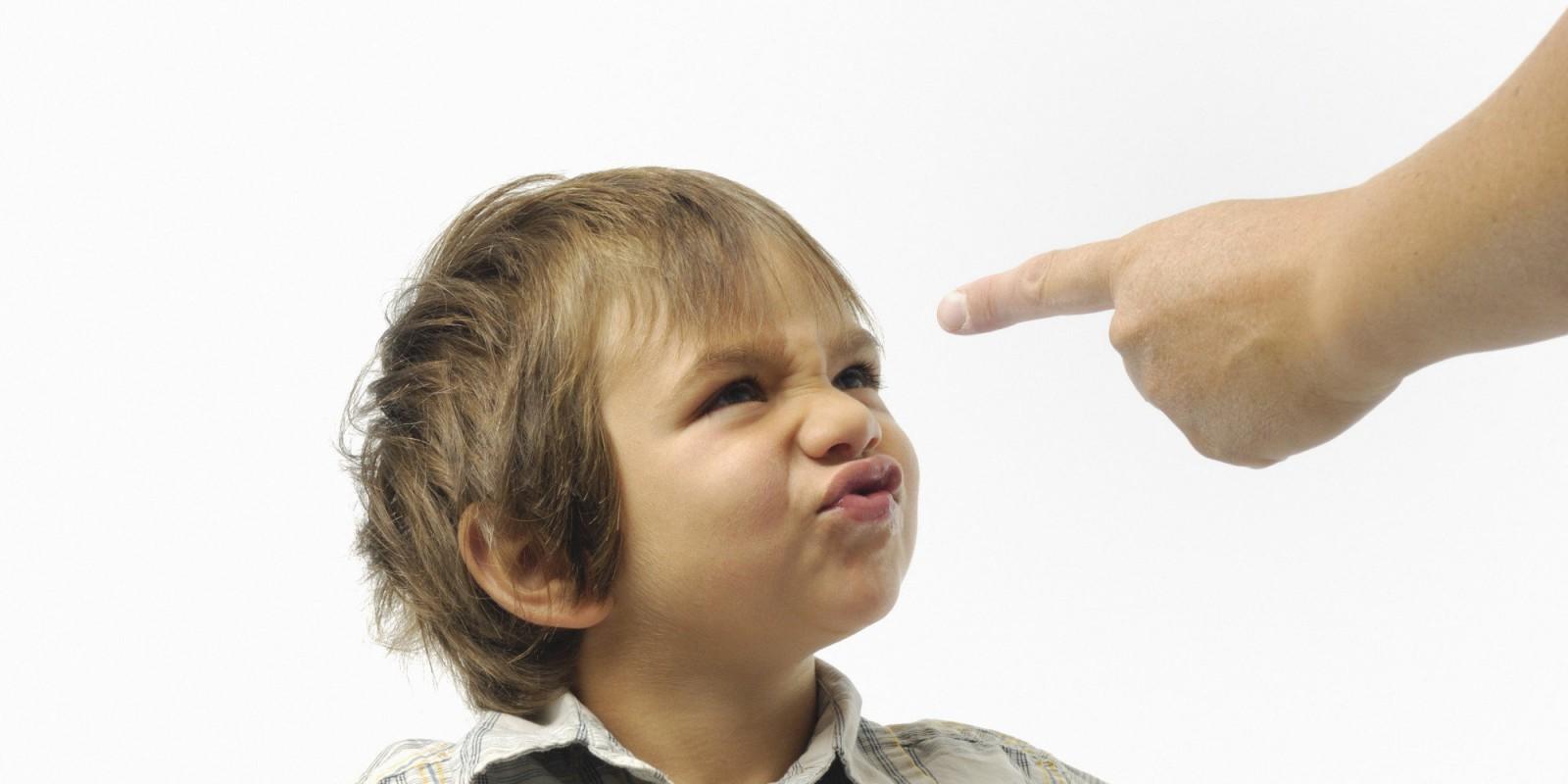 Как отучить ребенка от плохого поведения