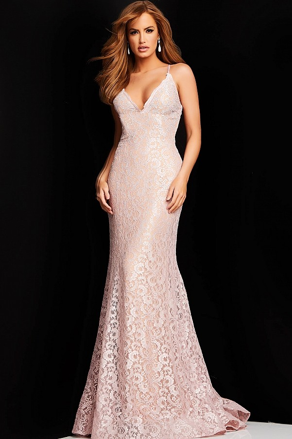 длинное платье с вырезом 2022