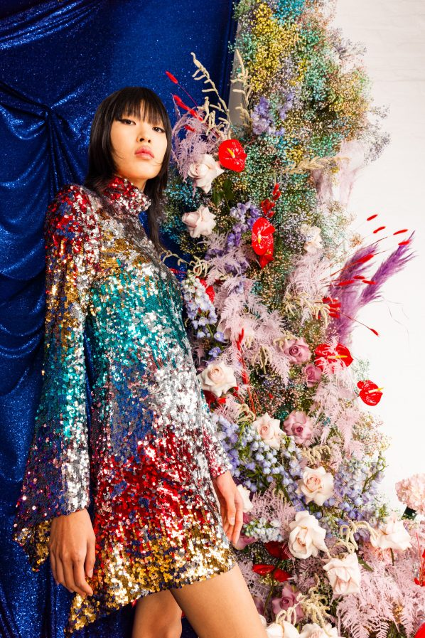платье женское стильное короткое блеск